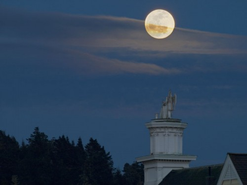 moonrise over mendocino