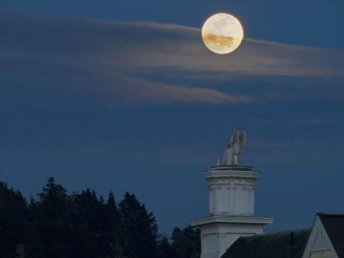moonrise over mendocino