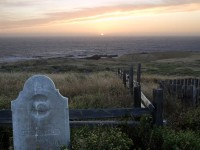 Grave by the Sea in graveyard photo gallery